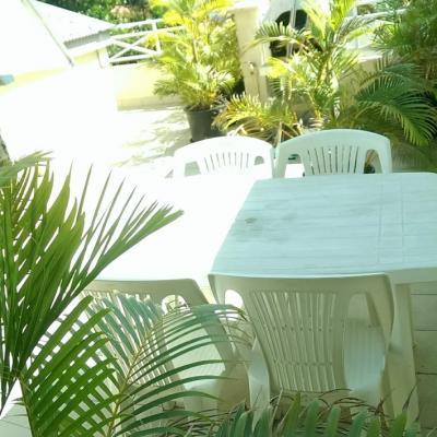 Table repas sur la terrasse