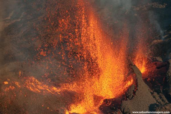 Eruption piton de la fournaise 17 mai 2015 www sebastienconejero com irt 1